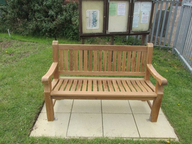 cshow louise bench